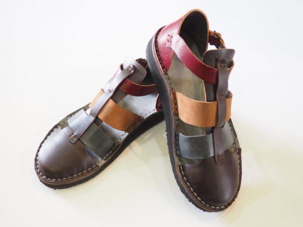 Unisex closed sandals